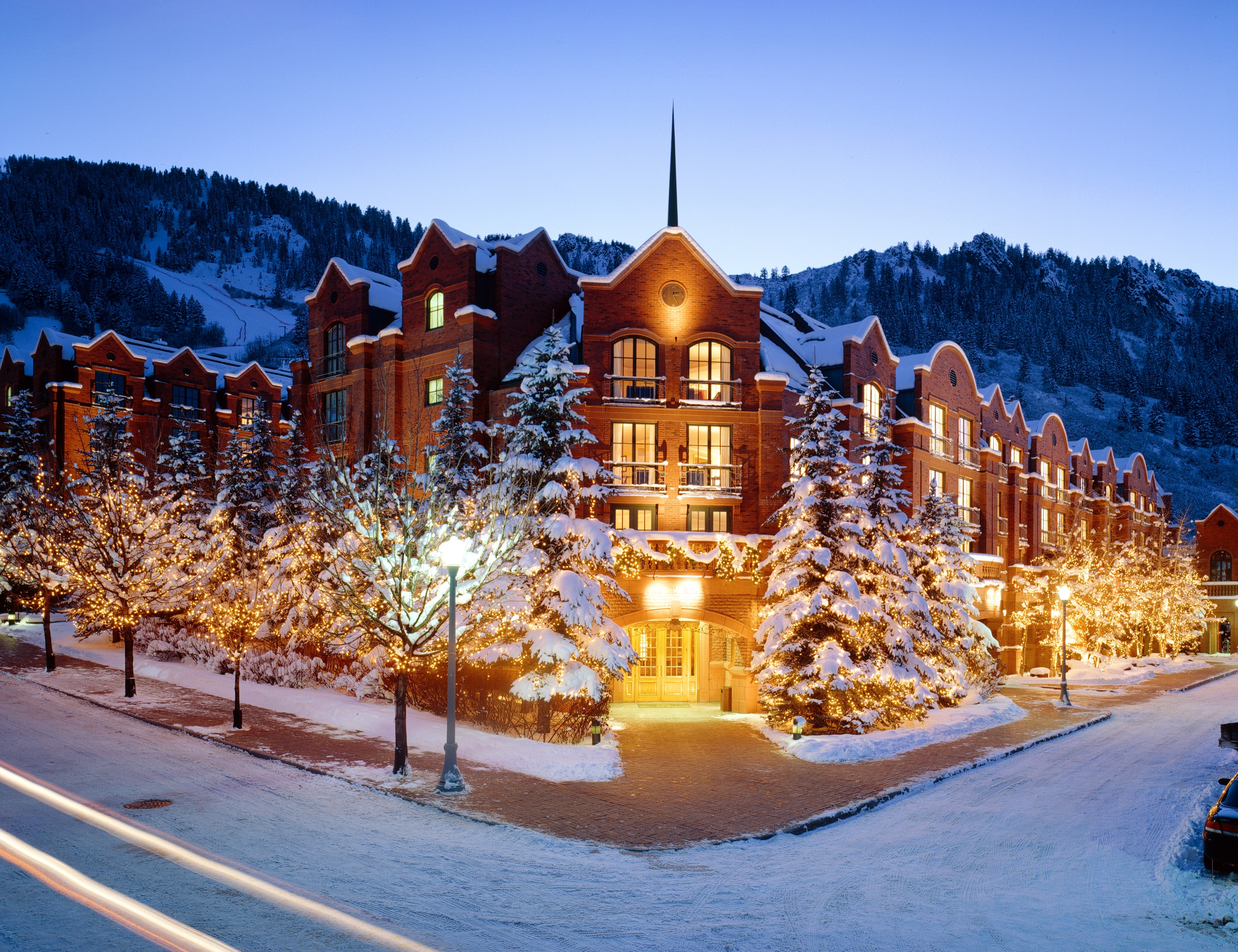 Visit the most exclusive ski resorts rancho santa fe for Ski cabins in colorado