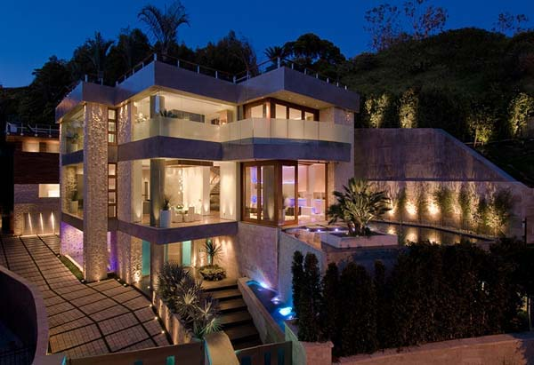 Find dream homes in these famous zip codes rancho santa for Modern house design los angeles