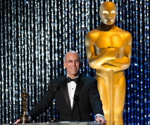 Jeffrey Katzenberg receives the Jean Hersholt Humanitarian Award at 2012 Governors Awards