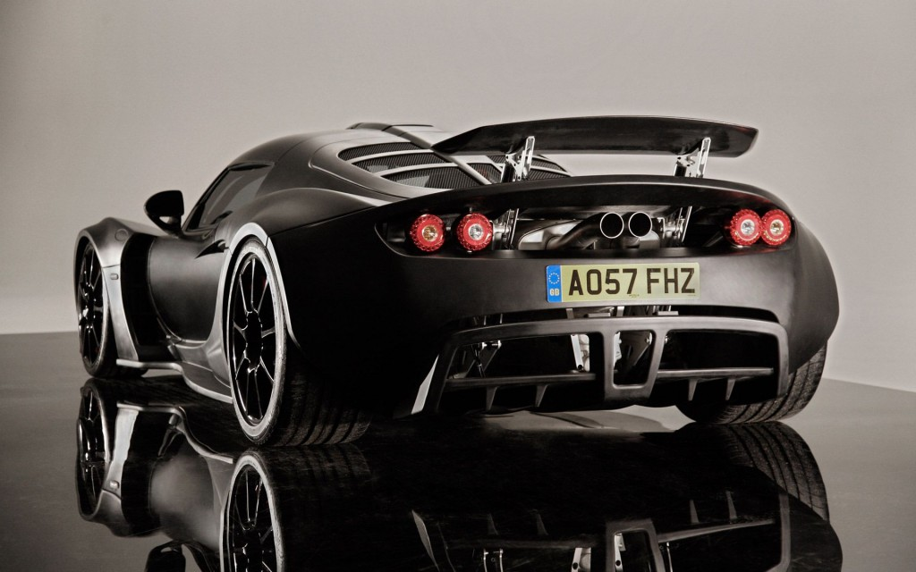 Dream-Cars-Dream-Car-Most-Expensive-Cars-Bugatti-Hennessey-Venom-GT-Beverly-Hills-Magazine-2