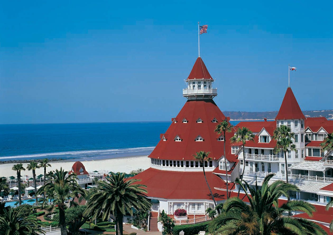 Visit-Coronado-San-Diego-Coronado-Beach-Buggy-Tours-Travel-to-Coronado-San-Diego-Rancho-Santa-Fe-Magazine-2