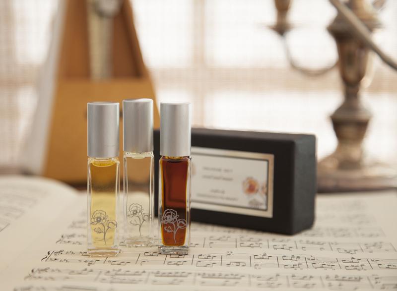 Gwendolyn-Mary-Pavane-Collection-Kathleen-Laccinole-Perfume_Set-Beverly-Hills-Magazine-WEB