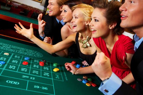 Fashion-Tips-Style-Blogs-Celebrity-Style-Casino-Fashion-Raancho-Santa-Fe-Magazine-2