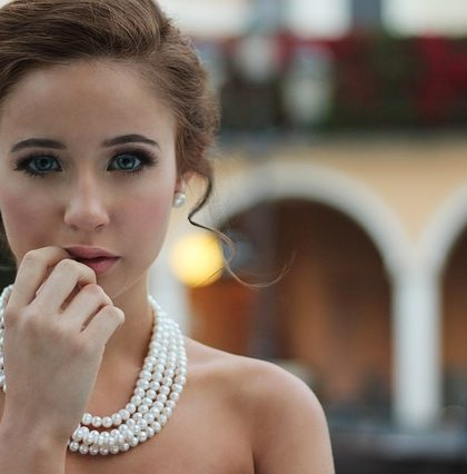Style Guide To Wear Jewelry Every Day #jewelry #style #shopjewelry #necklace #rings #ranchosantafe #ranchosantafemagazine