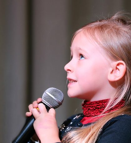 Top Benefits Of Giving Children Music Lessons #music #newyork #rsfmag #racnhosantafemagazine #singing #kids