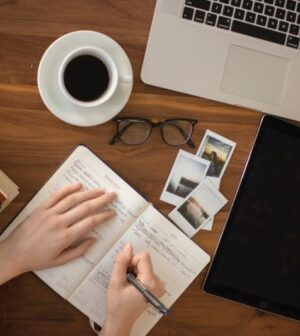 How to Become a Crypto Content Writer #rsfmagazine #contentwriter #cryptocontentwriter #passionforwriting #strongplatfolio